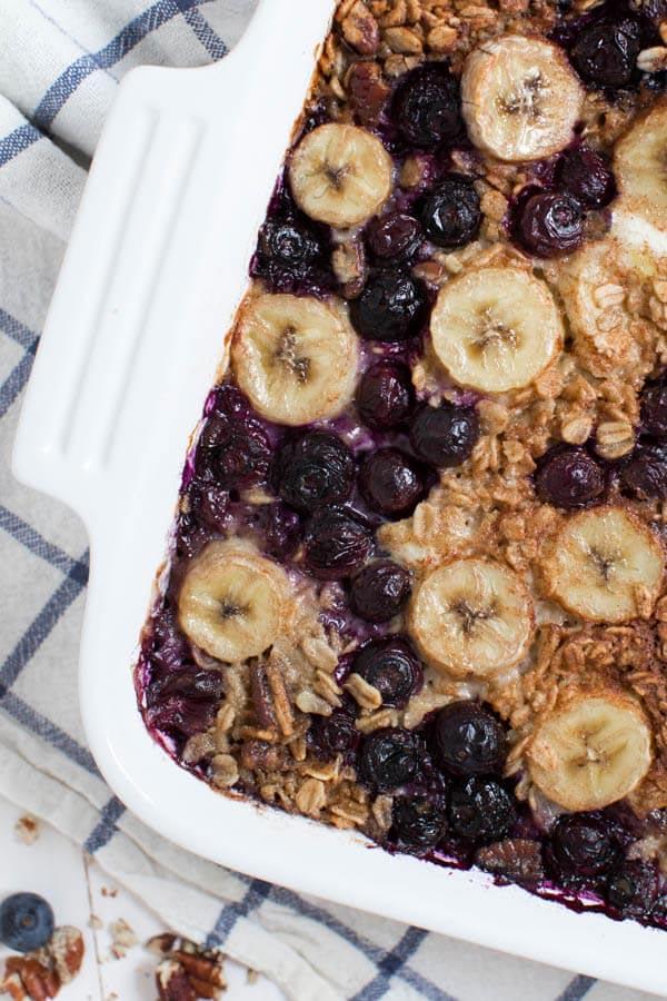 Banana_Berry_Crunch_Baked_Oatmeal