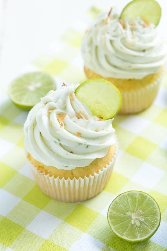 Key_Lime_Coconut_Cupcakes_christmas