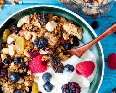 Nuts_and-Berries_Granola