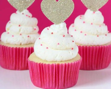 Whipped_Vanilla_Cupcakes
