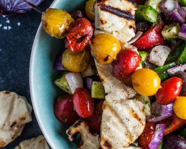 greek_salad_grilled_halloumi_tomatoes