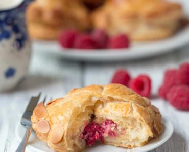 raspberry_almond_pithiviers