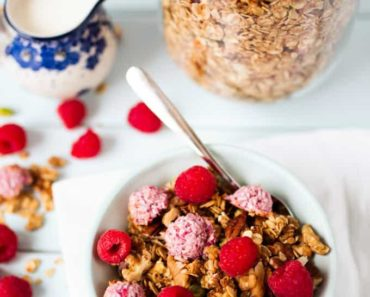raspberry_nut_granola