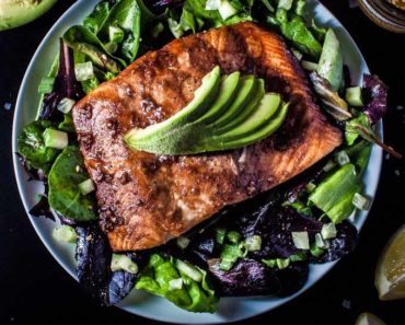salmon_salad-with_toasted_sesame_seed-dressing